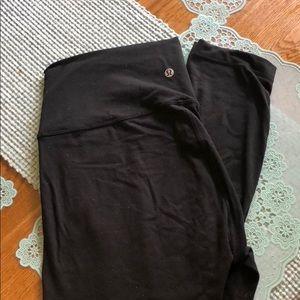 Lululemon black used leggings size 12